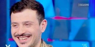 """Leonardo Lamacchia: """"Sono innamorato"""", poi rivela il suo vincitore di Amici"""